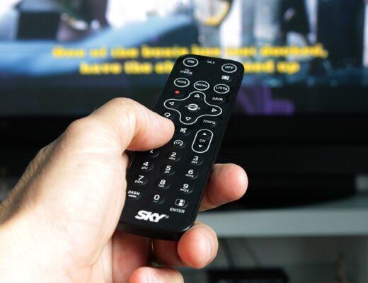 Telewizor Samsung QE75Q80TATXXH QLED – doskonała rozdzielczość, ogromna gama kolorów