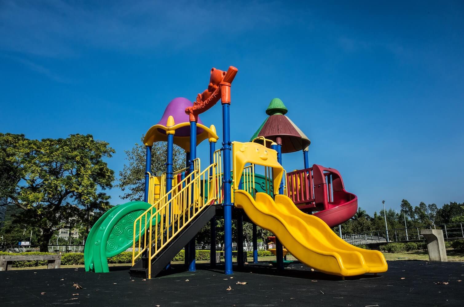 Jak urządzić mały plac zabaw dla dzieci?